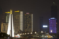 Shanghai-Gebäude am Nachthintergrund Lizenzfreie Stockbilder