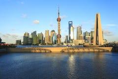 Shanghai-Grenzstein-Skyline Stockbilder