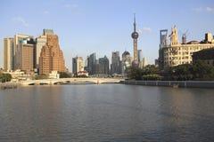 Shanghai-Grenzstein-Skyline Stockfotos