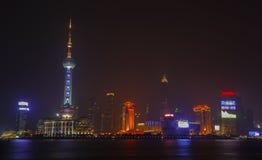 Shanghai horisont på natten Royaltyfri Fotografi