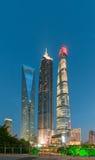 Shanghai Kina - April 30, 2017: Ji Mao, Shanghai torn och Sh Arkivfoton