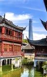 Shanghai Kina gammal och ny Shanghai torn och Yuyuan trädgård Royaltyfri Fotografi