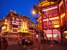 Shanghai Kina gammal stad på natten Royaltyfri Foto