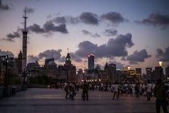 SHANGHAI KINA: Pudong områdessikt från Bundstrandområdet royaltyfri foto