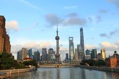 Shanghai landmarkï ¼ Œ de oosterse toren van pareltv Royalty-vrije Stock Afbeeldingen
