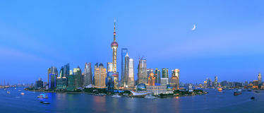 Shanghai Lujiazui de Dijk Stock Foto's