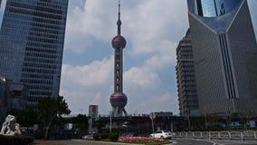 Shanghai-lujiazui Geschäftszentrum, Wolkenkratzer u. Orient-Perle Fernsehturm stock footage