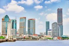 24 Shanghai-MEI, 2015 Horizonmening van Dijkwaterkant op Pudo Royalty-vrije Stock Afbeeldingen