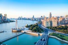 shanghai morgon, härliga Huangpu River och bunden Kina royaltyfri fotografi