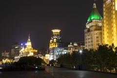 Shanghai nattbakgrund Arkivfoto