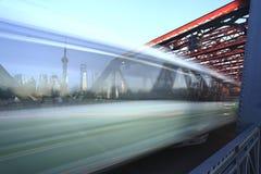 Shanghai-Promenade Gartenbrücke Stockbild