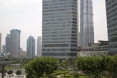 Shanghai Pudong finansiell mitt Arkivfoto