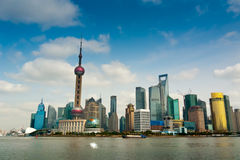 Shanghai Pudong gesehen von der Promenade lizenzfreies stockbild