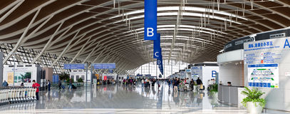 Shanghai Pudong internationell flygplats, terminal 2 Arkivbilder