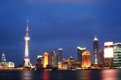 Shanghai pudong (nacht die ontspruit) Stock Fotografie
