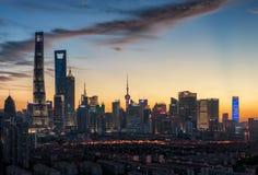 Shanghai Pudong-nachtscène stock foto's