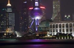 Shanghai Pudong på natten Arkivfoto