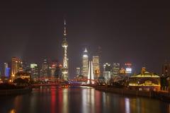 Shanghai Pudong på natten, Kina Arkivbilder