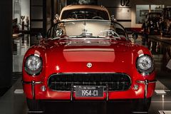 Shanghai-Selbstmuseum weist eine Sammlung der Weinlese und der modernen Automobile, der Details und des Gerätes und der Entwicklu stockbild
