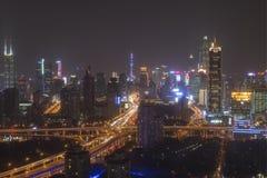 Shanghai-Skyline nachts mit dem Shanghai-Turm und Shanghai-Weltfinanzzentrum auf Hintergrund Stockfotos