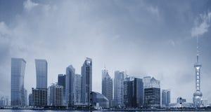 Shanghai-Skyline nachts neues Stockbild