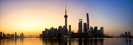 Shanghai soluppgångpanorama Royaltyfria Bilder