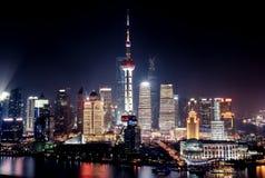 Shanghai stad med ljusa ljus Royaltyfria Bilder