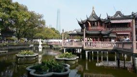 Shanghai - Yuyuan-Touristen-Handelszentrum stock video footage