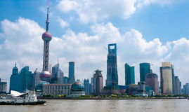 Shanghay Kina, modern horisont Arkivfoton