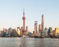 Shanghiahorizon bij zonsondergang Royalty-vrije Stock Fotografie