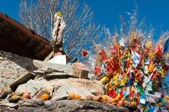 SHANGRILA KINA - MARS 13 2015: Baiji tempel på Shangrila som är gammal till Arkivfoton
