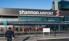Shannon Airport, Ierland - December zevenentwintigste 2016: Shannon Airport is de 2de grootste luchthaven van Irelands in de Prov Stock Afbeeldingen