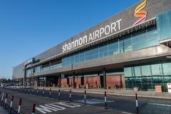Shannon Airport Irland - December 27th 2016: Shannon Airport är Irelands den 2nd största flygplatsen i det Irland länet Clare Royaltyfri Bild
