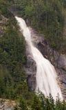 Shannon Falls em um dia tempestuoso frio Imagem de Stock Royalty Free