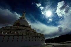 Shanti stupa 免版税库存图片
