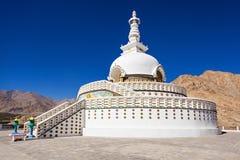Shanti Stupa immagine stock