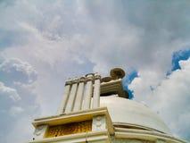 Shanti Stupa av Dhaulagiri royaltyfria foton