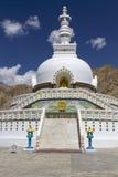 Shanti Stupa dichtbij Leh, Ladakh, India Stock Foto's