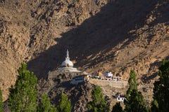 Shanti Stupa, Leh Ladakh Licht und Schatten vom Sonnenaufgang Stockfotografie