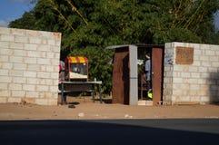 Shanty Barber Shop, Kabulonga, terreni boscosi, Lusaka, Zambia fotografia stock
