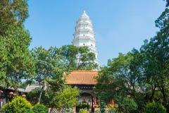 SHANXI KINA - Sept 07 2015: Vit pagod på den Wubian templet A Arkivbilder