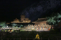 Shaolin Zen muzyki rytuał na otwartym powietrzu lekki przedstawienia i sztuk samoobrony występ w Chiny Fotografia Stock