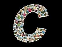 Shape av c-bokstaven (latinskt alfabet) som göras som loppfotocollage arkivfoton