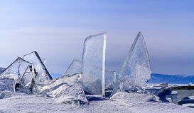Shards του πάγου τόσο σαφούς όσο το γυαλί Στοκ φωτογραφία με δικαίωμα ελεύθερης χρήσης