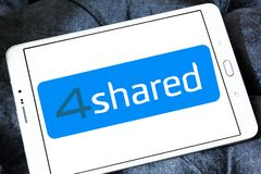 4shared σε απευθείας σύνδεση λογότυπο μοιρασμάτων αρχείων και αποθήκευσης Στοκ Φωτογραφίες