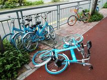 Shared bikes were thrown to the ground Royalty Free Stock Image