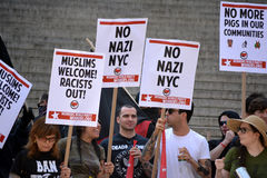 Sharia Protest. People holding signs at a pro-Muslim rally and march in New York City Stock Photo