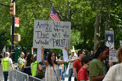 Sharia Protest. People holding signs at a pro-Muslim rally and march in New York City Stock Photos