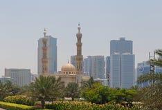 SHARJA, UAE - 16 DE MAYO DE 2016: Al Qasba Mosque Foto de archivo