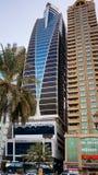 Sharja Verano 2016 Rascacielos modernos en estilo urbano de la ciudad fotografía de archivo
